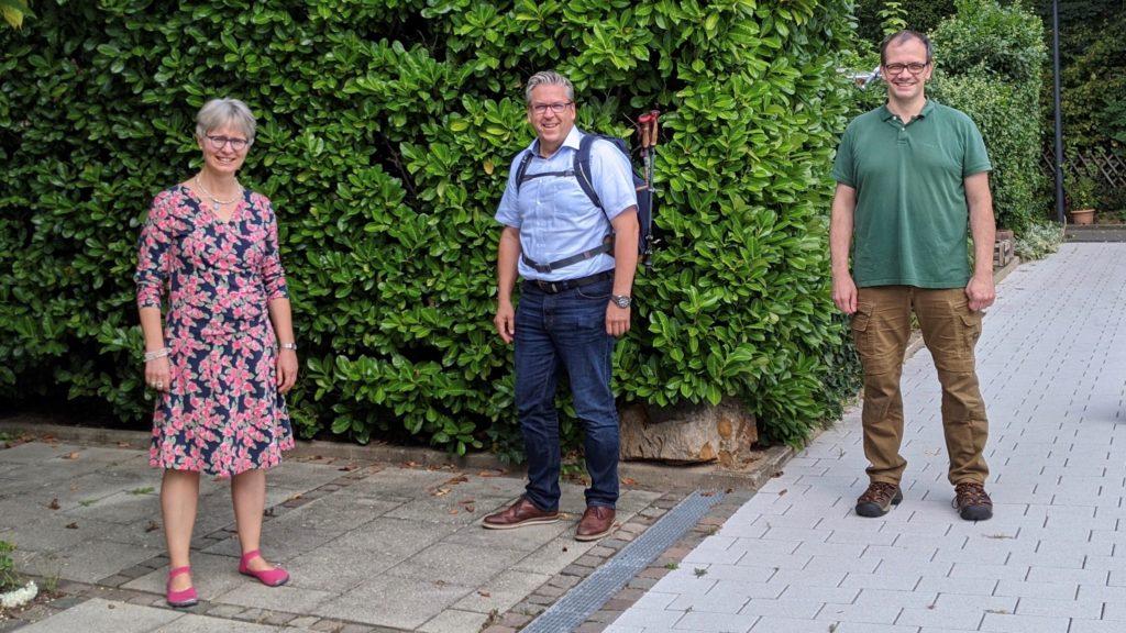 Anne Henning (Polizeiseelsorgerin), Patrick Stöbener und Bernhard Christian Erfort (Vorsitzender des ökumenischen Polizeiseelsorgebeirats)